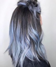Redken Artist Kyleen Garcia created this dusted delicacy using City Beats Indigo Skyline at the base & diluting with clear on the ends! Love love love this denim hair. Indigo Hair Color, Hair Dye Colors, Cool Hair Color, Dyed Ends Of Hair, Dye My Hair, Short Hair Hacks, Short Hair Styles, Hair Color Balayage, Hair Highlights