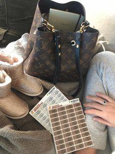 Louis Vuitton Neverfull, Must Haves, Tote Bag, Bags, Fashion, Handbags, Moda, La Mode, Carry Bag