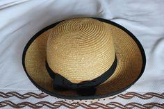Smart summer raffia hat (70s)