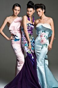 NeTiger 2013 blends the style of Western haute couture and the qipao. [Provided to China Daily] Style Oriental, Oriental Fashion, Style Couture, Couture Fashion, Collection Couture, Cheongsam, China Fashion, Looks Style, Beautiful Gowns