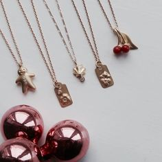 Christmas-wishes for the neck! Gold, dimonds and coral ❤️ Every piece is available in silver as well. #thegingerbreadman #pricetags #meringuekiss #kiss #cherry #cherryberry #necklaces #gold #guld #silver #sølv #diamond #diamant #smykker #jewelry #jewellery #guldsmed #jeweller #goldsmith #handcrafted #handmade #danishdesign #guldsmedlouisedegn