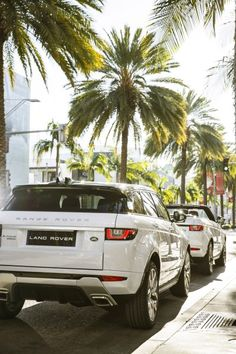 http://www.car-revs-daily.com/2015/11/17/2016-range-rover-evoque-convertible-la/