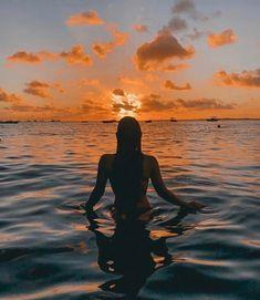Idéias de fotos - Foto-Ideen - Source by gtreutelwunsch outfits summer sea Beach Photography Poses, Beach Poses, Photography Ideas, Flash Photography, Fashion Photography, Beach Foto, Cute Beach Pictures, Beach Sunset Pictures, Florida Pictures