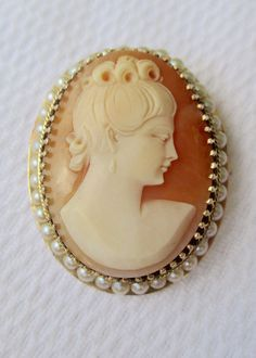 Victorian style 14k gold pearl framed carved shell cameo pendant pin vintage victorian style 14k yellow gold pearl framed carved shell cameo pendant brooch rare left aloadofball Choice Image