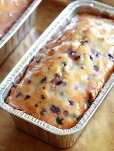 lemon blueberry loaf.  This is so good! Do some in small tea cake pans for the Holidays! Summer Breakfast Recipe, Blueberry Breakfast Recipes, Lemon Dessert Recipes, Desert Recipes, No Bake Desserts, Dinner Recipes, Delicious Desserts, Cake Recipes, Brunch Recipes