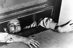 【死刑台のエレベーター】ちょっと前に日本でリメイクされたけど、やはり元祖だろう、と思わざるを得ない。リメイクだけしか見てない人はちょっとナイなぁ・・とか思ってる。とはいえ、リメイクを見てないんですけどねw