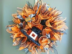 How to Make a Deco Mesh Sunburst Wreath  #diy #decomesh #tutorial