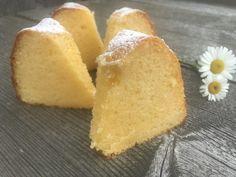 Backen mit Christina … | Topfengugelhupf Sweets Cake, No Bake Desserts, Cornbread, Muffins, Nom Nom, Bakery, Food And Drink, Ethnic Recipes, Easy