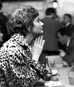 francoise sagan Ocelot, Françoise Sagan, Style Parisienne, Writers And Poets, I Icon, French Chic, Beautiful Mind, Girl Bands, Women In History