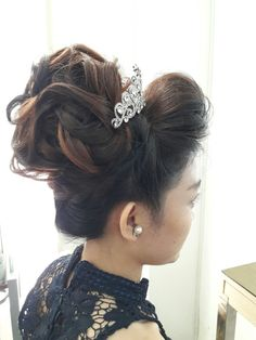 Updo style for wedding