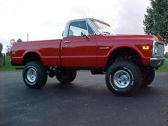 old trucks chevy Chevy 4x4, Old Pickup Trucks, Chevy Pickup Trucks, Lifted Chevy Trucks, Classic Chevy Trucks, Gm Trucks, Chevrolet Trucks, Cool Trucks, Small Trucks