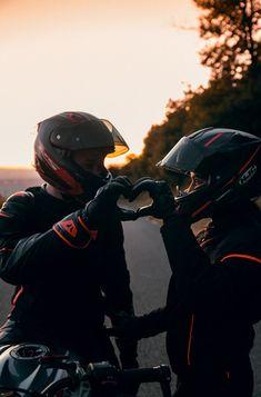 Couple Moto, Motorcycle Couple, Motocross Couple, Motorcycle Wedding, Biker Photography, Girl Photography Poses, Biker Love, Biker Girl, Biker Photoshoot