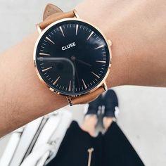 Hello amores  Apaixonaaaaada pelos relógios que recebi nas últimas semanas! Muito obrigada @clusewatches! Eles tem relógios super lindos que enriquecem demais os looks, além de um insta todo minimalista e cheio de inspirações! Dá uma olhada! @clusewatches ✨   #cluse #clusewatches #ad