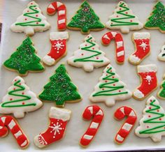 Christmas Sugar Cookie Decorating Ideas Beautiful Galletitas Navide±as Riquisimas – badt. Easy Christmas Cookies Decorating, Christmas Tree Cookies, Iced Cookies, Holiday Cookies, Cookie Decorating, Gingerbread Cookies, Decorating Ideas, Snowflake Cookies, Christmas Decorations