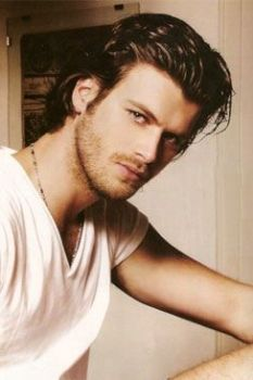 *-* Kivanc Tatlitug , the big seduction from the exotics turquish lands , the owner of a great male style ,  he has gone mad all the ladies who have seen their TV series and movies , I think not only me who will see you in Hollywood and so many more will enjoy its beauty and good performance.