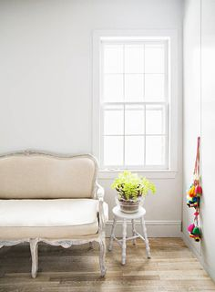 BEAUTIFUL WHITE HOUSE WITH ARTISTIC TOUCH | 79 Ideas