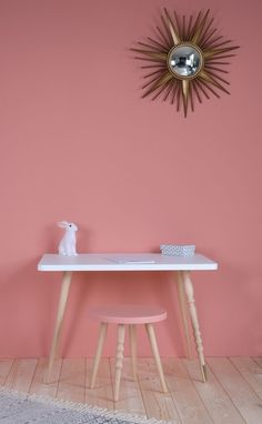 Choose from our wide selection of high quality furniture including #kids desks http://wu.to/HPCMhE
