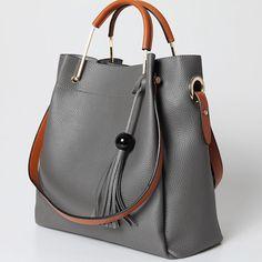 Louis Vuitton Monogram Crosss Body Leather Handles Canvas Handbag Speedy Bandouliere 25 Article: – The Fashion Mart Chanel Handbags, Tote Handbags, Leather Handbags, Leather Wallet, Leather Bag, Cowhide Leather, Leather Totes, Art Bag, Designer Shoulder Bags