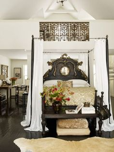 Beautiful, four poster bedroom