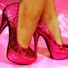 perfect to go with the pink sparkle dress? yes yes yes!
