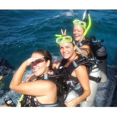 That one time when we went scuba diving into the Great Barrier Reef and we weren't even certified.  #australia #cairns #scubadiving #greatbarrierreef @froebe7 @lindslamph by emilyjaneclark http://ift.tt/1UokkV2