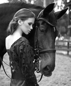 Картинки по запросу девушки и лошадь фотосессия