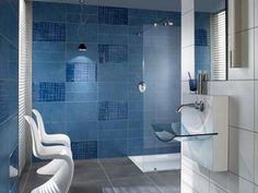 Desain keramik dinding kamar mandi warna biru