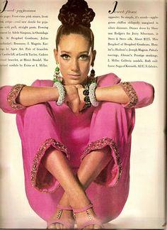 Marisa Berenson   Richard Avedon    Vogue 1966