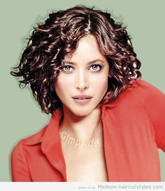 short-hairstyle-curly-hair-women-1533 2014 - Medium Curly Hairstyles for Women – Medium Haircuts Hairstyles 2014