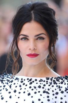 Jenna Dewan-Tatum in a 'French-Mod' 'do.