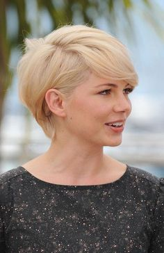 Cool Chic Short Hairstyles This Michelle Williams, Maisie Williams, Latest Hairstyles, Short Hairstyles For Women, Coupes Long Pixie, 3 Haircut, Long Pixie Cuts, Palais Des Festivals, Cut And Color
