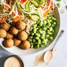 Quinoa Bowl with Pickled Vegetables and Edamame Vegan Gluten Free, Vegan Vegetarian, Vegetarian Recipes, Healthy Recipes, Edamame, Poke Bol, My Favorite Food, Favorite Recipes, Veggie Recipes