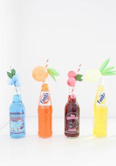 Hoy en el blog, un tutorial súper refrescante para una boda o fiesta de verano! http://www.unabodaoriginal.es/blog/donde-como-y-cuando/decoracion/diy-canitas-con-globos