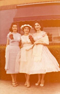 28 Pictures That Show Our Moms Were So Cool When They Were Young in the 1950s
