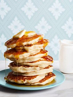 Whether you're planning a simple brunch for a small group or a holiday brunch to wow your crowd, we've got the right recipes. Choose from sweet pancakes, savory breakfast sandwiches, hearty egg casseroles, and other simple brunch menu ideas. Tasty Pancakes, Buttermilk Pancakes, Pancakes And Waffles, Pancake Muffins, Fluffy Pancakes, Savory Breakfast, Breakfast Recipes, Breakfast Ideas, Breakfast Pancakes