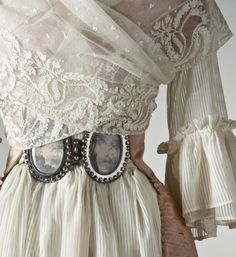 Gorgeous late 18th century dress from the Nordiska Museet...
