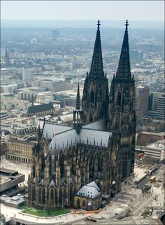 Cologne cathedral aerial (25326253726) - Cologne Cathedral - Wikipedia, the free encyclopedia