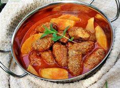 Πεντανόστιμα σουτζουκάκια με πατατούλες γιαχνί στο φούρνο. Μια συνταγή, για ένα μαμαδίστικο φαγητό που πάντα θα μας θυμίζει το 'γιαχνί' της μαμάς ή της για