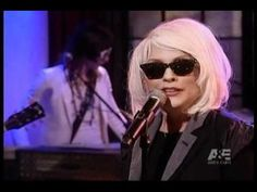Blondie - One Way Or Another (Live Midnight Special 1979).avi - YouTube