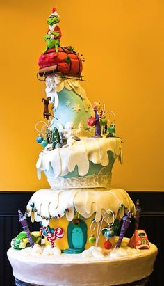 The Grinch Cake....i want this for my birthday! lol