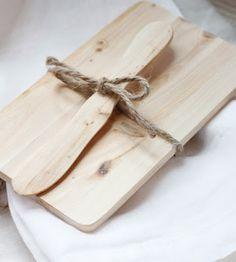 alder & co. - wood board + knife