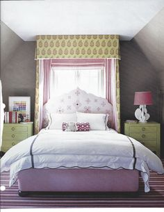 Little girl's canopy bed