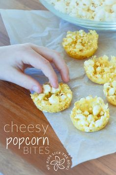 Cheesy popcorn bites a healthy savoury snack for kids. Easy two ingredient recipe perfect for a party or lunch box. Savory Snacks, Yummy Snacks, Snack Recipes, Yummy Food, Tasty, Top Recipes, Yummy Eats, Amazing Recipes, Easy Recipes