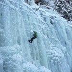 #Eisklettern – Ice Age im Reintal http://www.freizeit-suedtirol.com/eisklettern-angerer-eisklettergarten/
