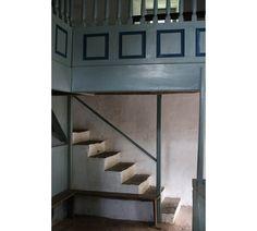 Pen-rhiw-Chapel-St Fagans-staircase-Welsh-Vernacular