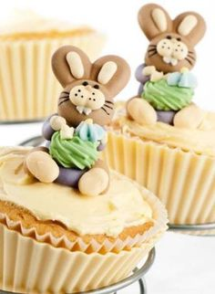 Bunny Cupcakes recipe for Easter Party #2014 #easter #bunny #cupcakes www.loveitsomuch.com