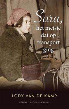 10/52 In de jaren dertig begint Truus Wijsmuller met het regelen van transporten, om Joodse kinderen uit Oostenrijk en Duitsland in veiligheid te brengen. Tante Truus haalt, samen met haar verzetscollega's, wekelijks 150 kinderen in Duitsland op. De transporten kunnen tot het uitbreken van de oorlog doorgaan. Dankzij tante Truus wordt het leven van 10.000 Joodse kinderen gespaard. https://www.hebban.nl/spot/boeken-met-een-ster/nieuws/sara-het-meisje-dat-op-transport-ging-lody-van-de-kamp