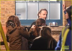 Keira Knightley & Andrew Lincoln's 'Love Actually' Reunion Scene Involves Cue Cards!