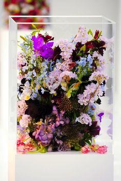 Hübsches Blumen-Arrangement, Glasvase