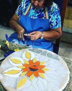 Mosaic Artwork, Mosaic Wall Art, Mosaic Diy, Mosaic Glass, Mosaic Tiles, Instagram Mosaic, Mandala Rose, Mosaic Garden Art, Mosaic Flowers